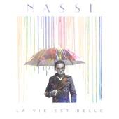 Listen to La vie est belle music video