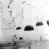 Blood on the Risers (Gory Gory What a Helluva Way to Die) - American Paratrooper